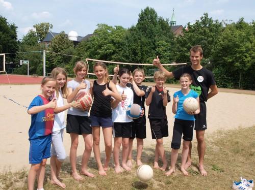 Volleyball AG der Jahrgangsstufen 5-7 (Foto: Thomas Göhler)
