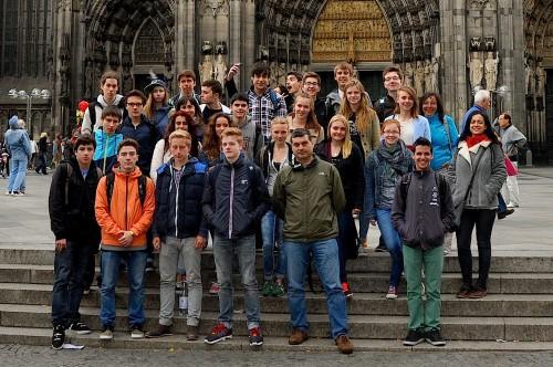 Deutsch-spanische Freundschaft vor dem Kölner Dom