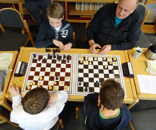 Schach AG mit Herrn Mönig (Foto: Oliver Rachner)